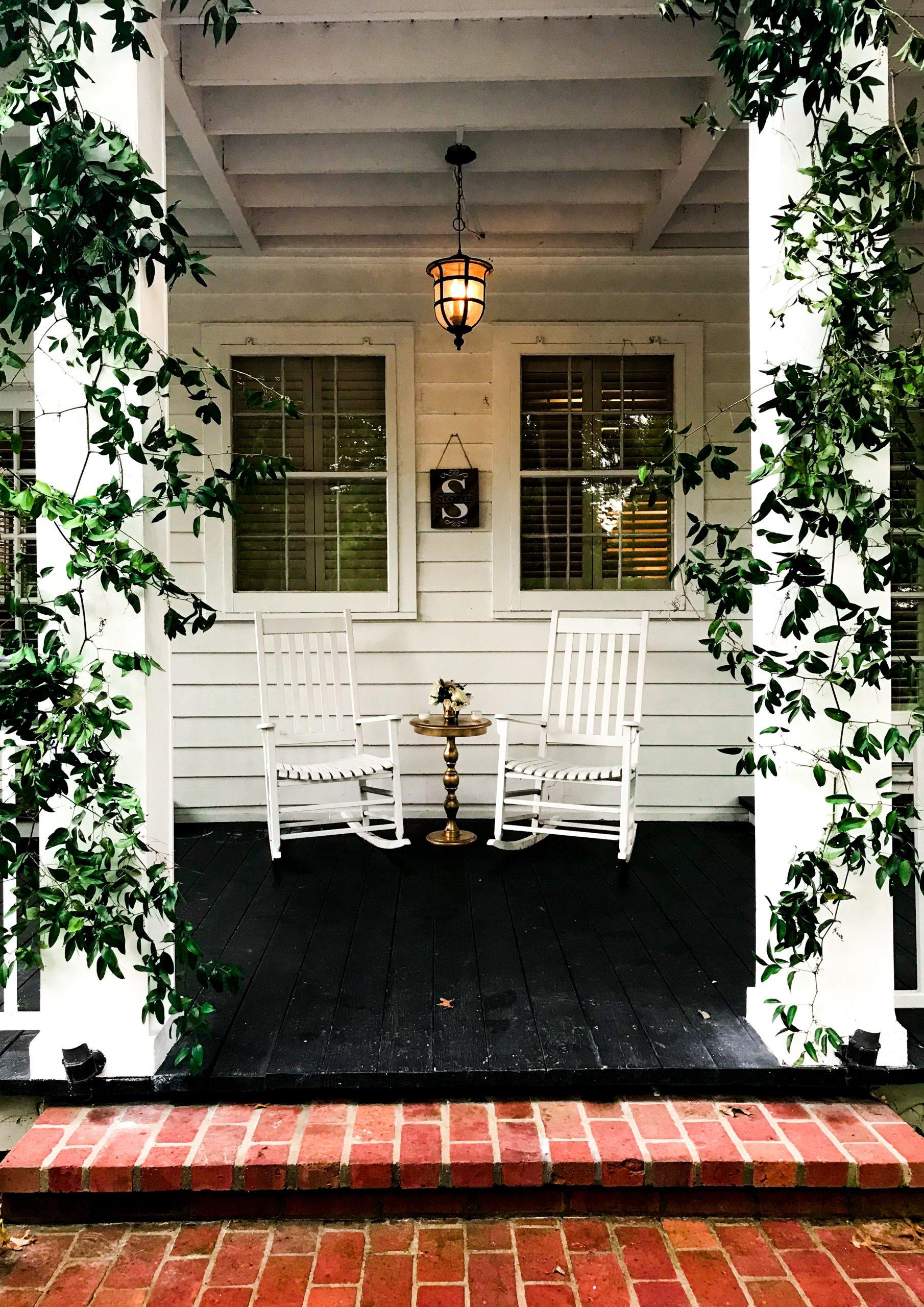Terraza pintada de blanco