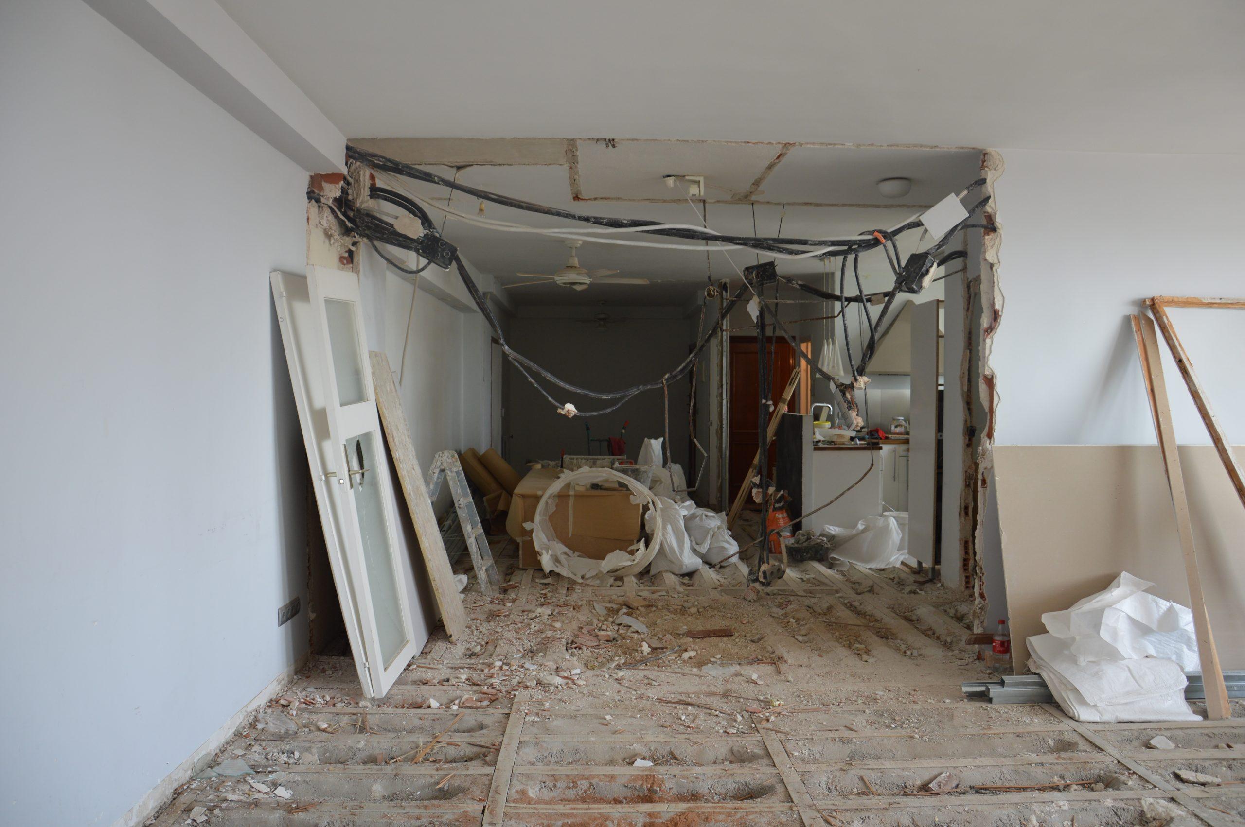 Antes de demolicion de paredes en una vivienda
